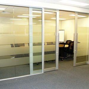 cửa nhôm kính văn phòng