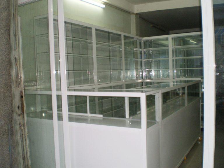 tủ thuốc y tế bằng nhôm kính