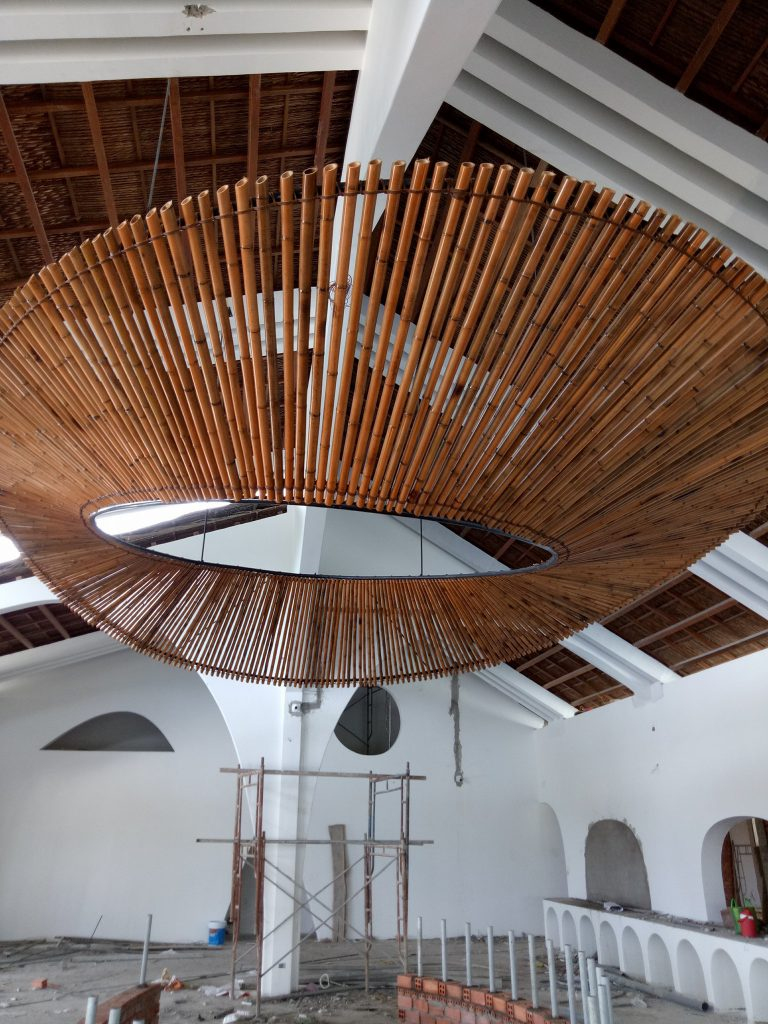 Trang trí trần nhà bằng tre nứa
