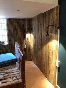Trang trí tường phòng ngủ bằng tre trúc