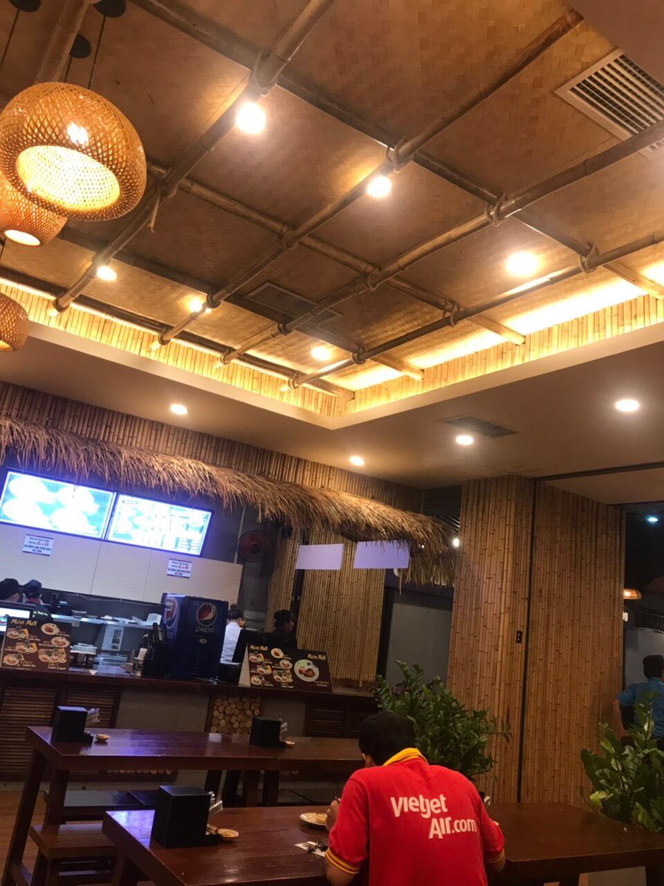 Trang trí tre trúc cho quán ăn